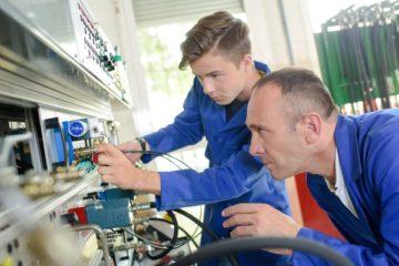 embaucher-un-apprenti-:-quels-avantages-(financiers,-fiscaux,-sociaux)-?